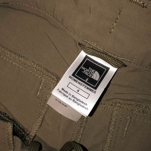 The North Face Pants - The north face convertible pants size 4 women's